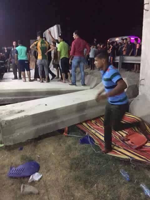 انباء عن سقوط كتل كونكرينيه ع المواطنين واصابة البعض منهم في شارع القناة