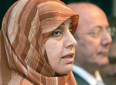 النائب حمدية الحسيني تطالب العبادي الاسراع بتقديم اسماء الكابينة الوزارية الجديدة