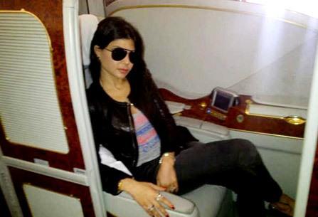 بالصورة… هيفاء وهبي تستعرض للمرة الأولى طائرتها الخاصة