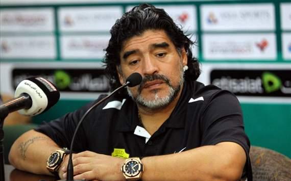 """مارادونا يعترف بـ""""ابنه"""" بعد إنكاره 30 عاما"""