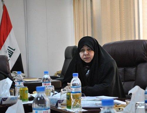 """نائب يطالب باستجواب رئيسة مؤسسة الشهداء ويصفها بـ""""الوقحة"""""""