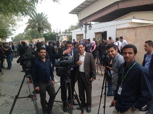 """صحفيون ينسحبون من تغطية زيارة العبادي الى ميسان بسبب """"مضايقات"""""""