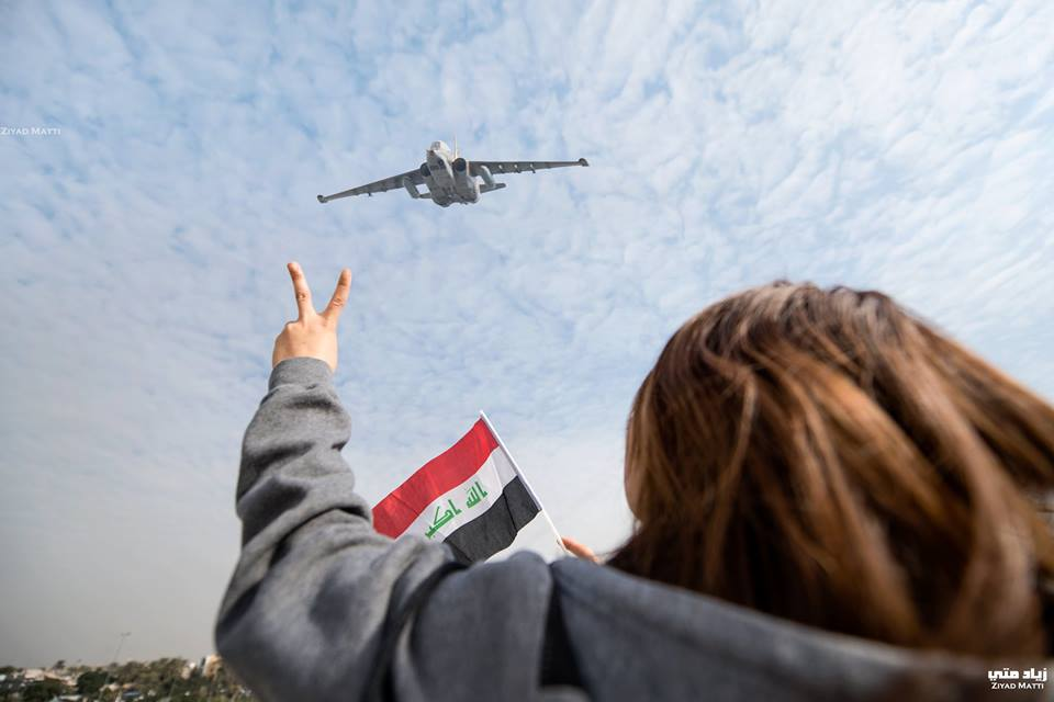 الجيش يلقي منشورات فوق الموصل استعدادا لعمليات التحرير