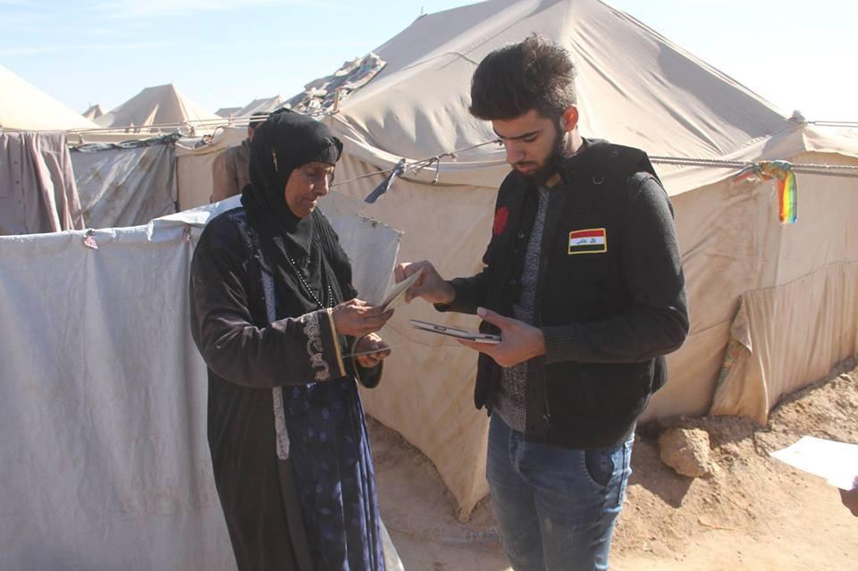 مدير دائرة صندوق الزكاة يزور مخيمات عامرية الفلوجة للنازحين