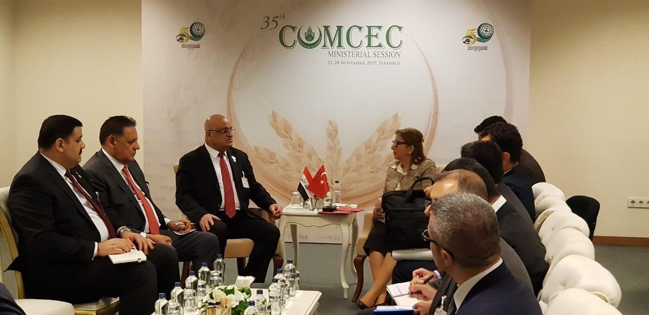 على هامش مشاركته بالجلسة الوزارية الـ35 للكومسيك.. وزير التجارة يلتقي نظيريه الأردني والتركي