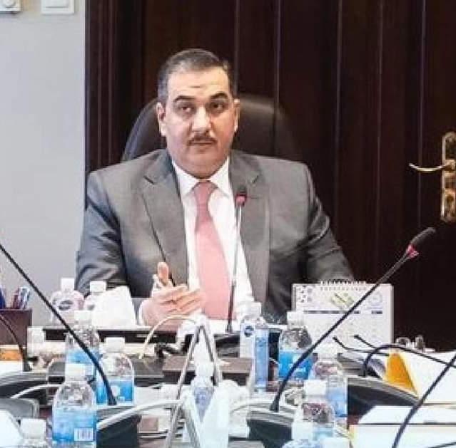 محافظ البنك المركزي يبدأ عصراً جديدا في الحياة المصرفية العراقية  لابد من اعادة الثقة بمؤسسات البلد المصرفية الرصينة ومعالجة الاكتناز البيتي