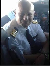 فضيحة…فضيحة…فضيحة  مليون دولار عدا ونقدا لرئيس سلطة الطيران…..!!