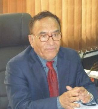 كورونا تصيب هاشم حسن عميد كلية الإعلام السابق