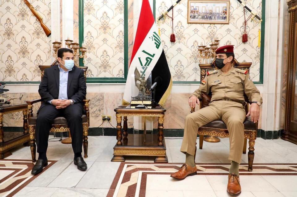 مستشار الأمن القومي السيد قاسم الأعرجي يزور مقر وزارة الدفاع ويلتقي رئيس أركان الجيش