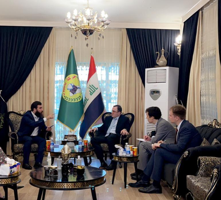 السفير الروسي يزور  الكلداني في مقر حركة بابليون