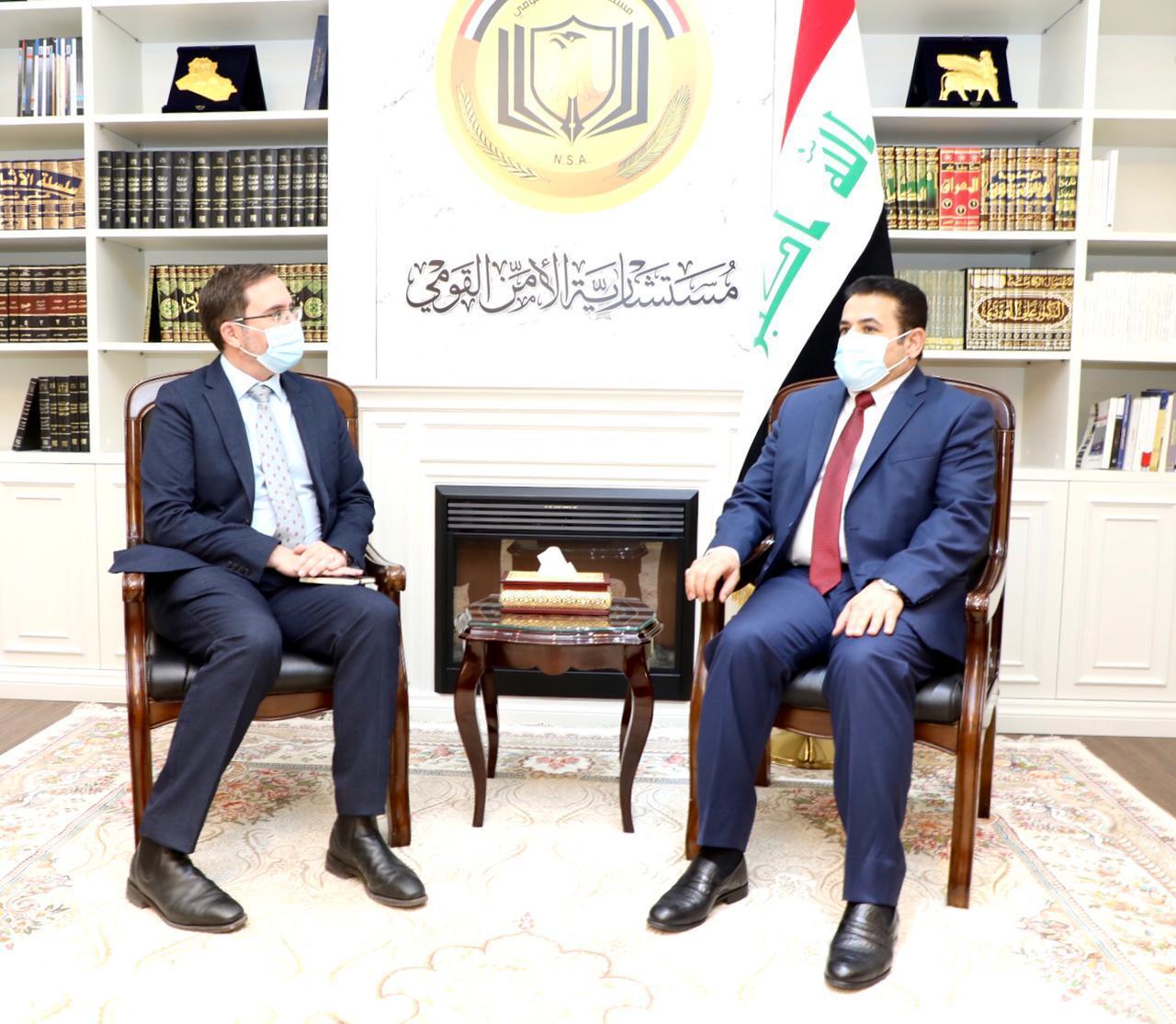 مستشار الأمن القومي السيد قاسم الأعرجي يستقبل السفير البريطاني في بغداد