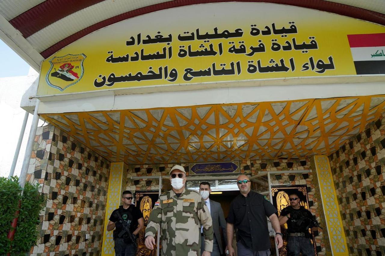 الرئيس الكاظمي في الطارمية بالزي العسكري